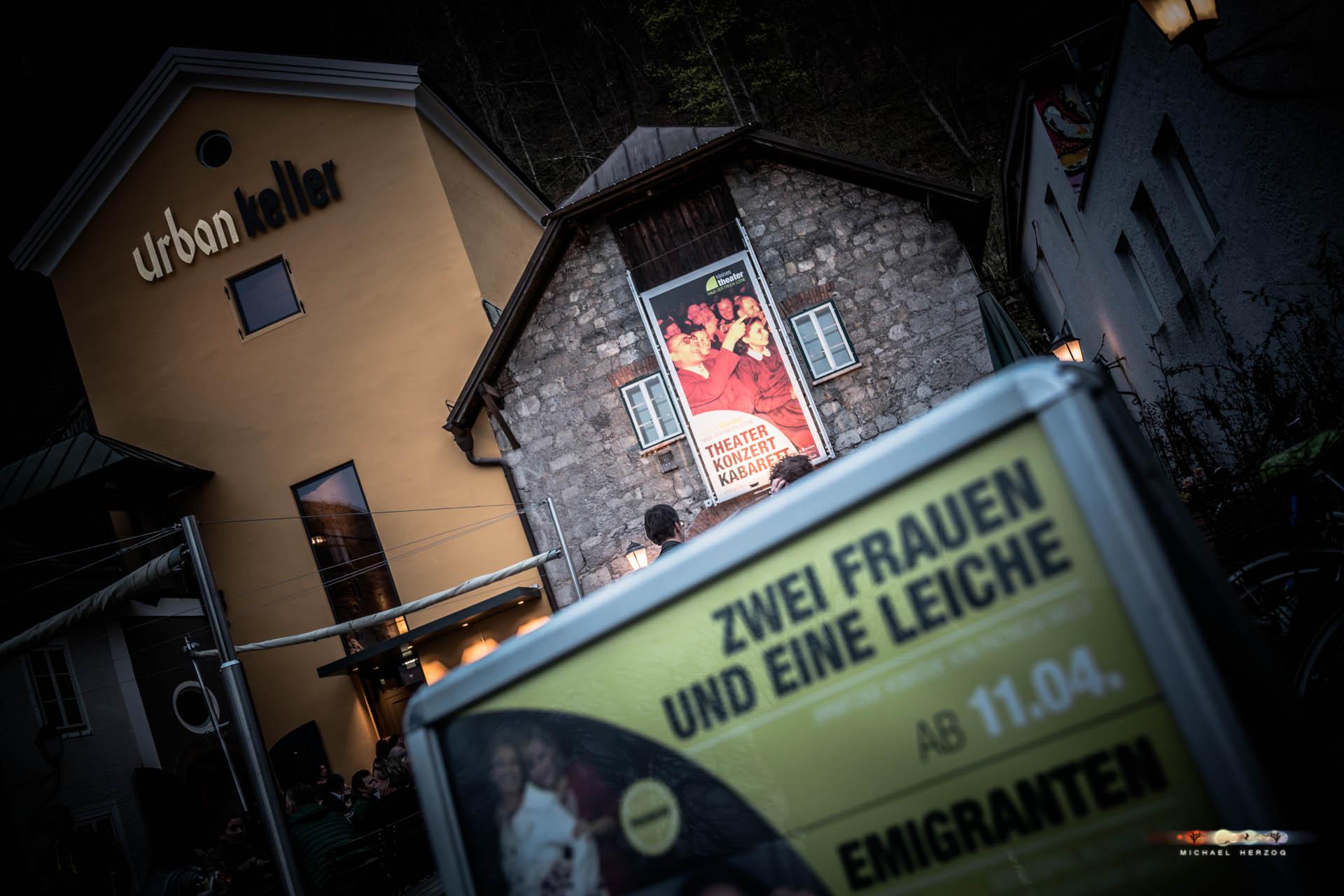 KleinesTheater_2Frauen1Leiche_April2018_MichaelHerzog-3802.jpg