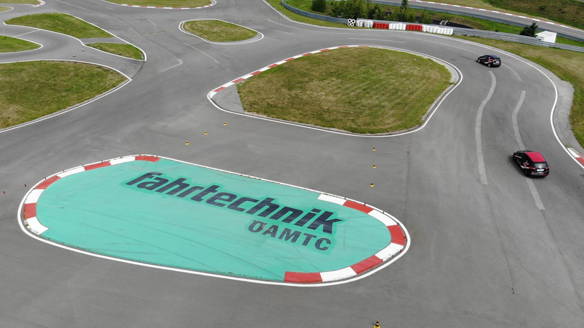 RacingRookie_2018_Vorausscheidung03_Melk_Screenshot_AUTrenalinMEDIA-01.jpg