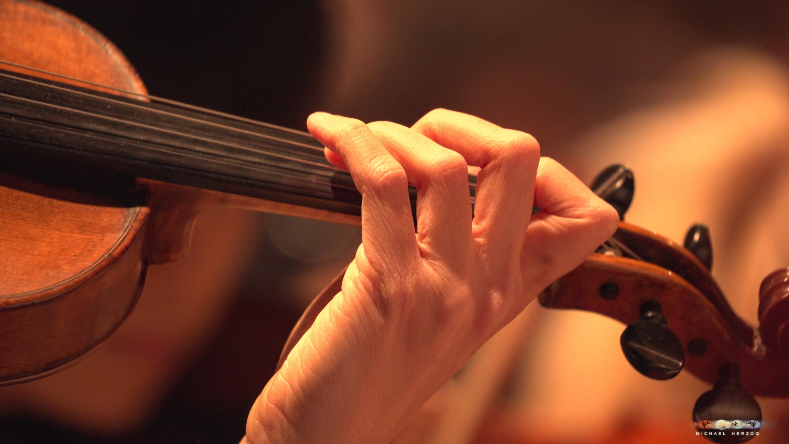 ArnsdorferSternstunden_Chorprobe-mit-PhilharmonieSalzburg_Screenshot_MichaelHerzog-05-2.jpg