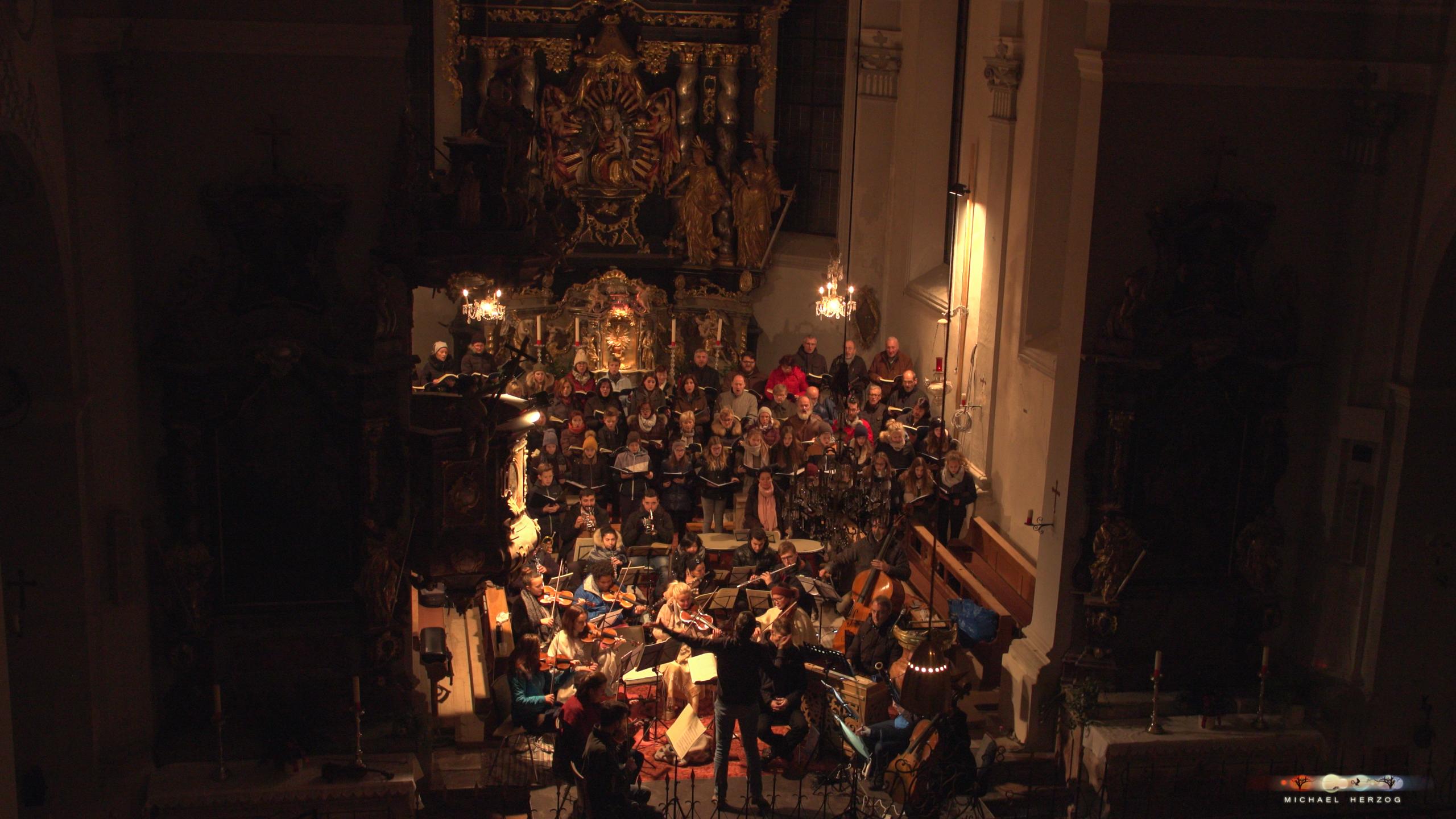 ArnsdorferSternstunden_Chorprobe-mit-PhilharmonieSalzburg_Screenshot_MichaelHerzog-22.jpg
