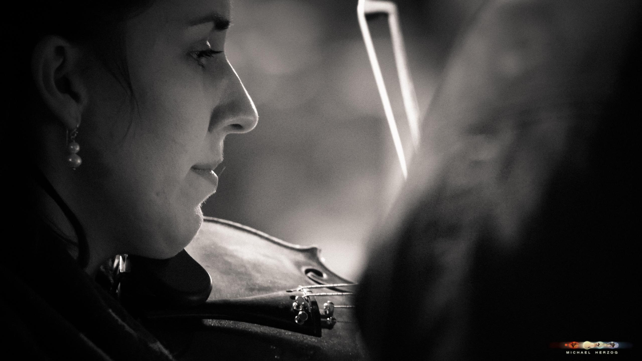 ArnsdorferSternstunden_Konzertabend1-mit-PhilharmonieSalzburg_Screenshot_MichaelHerzog-00-4.jpg