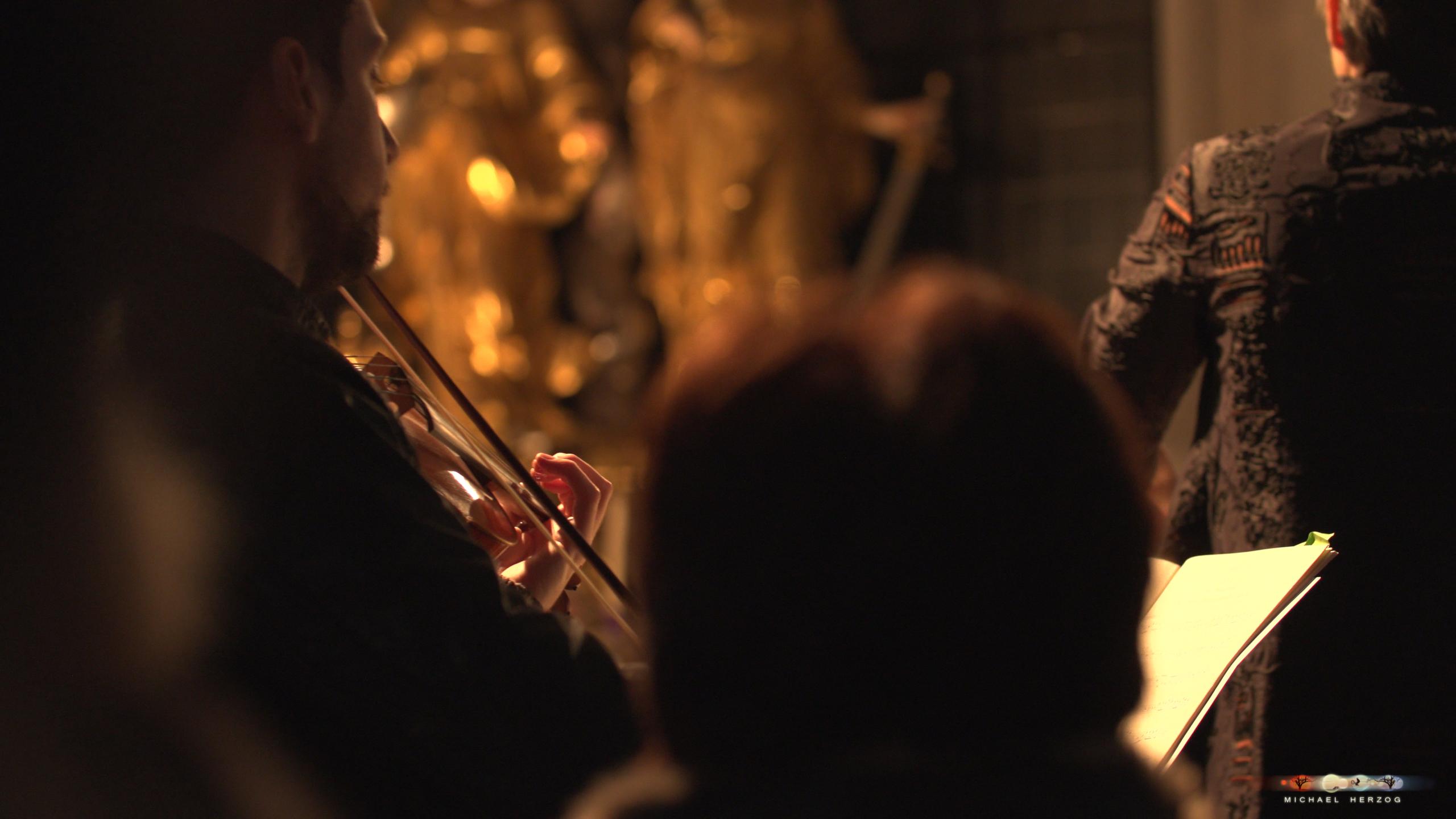 ArnsdorferSternstunden_Konzertabend1-mit-PhilharmonieSalzburg_Screenshot_MichaelHerzog-01-3.jpg