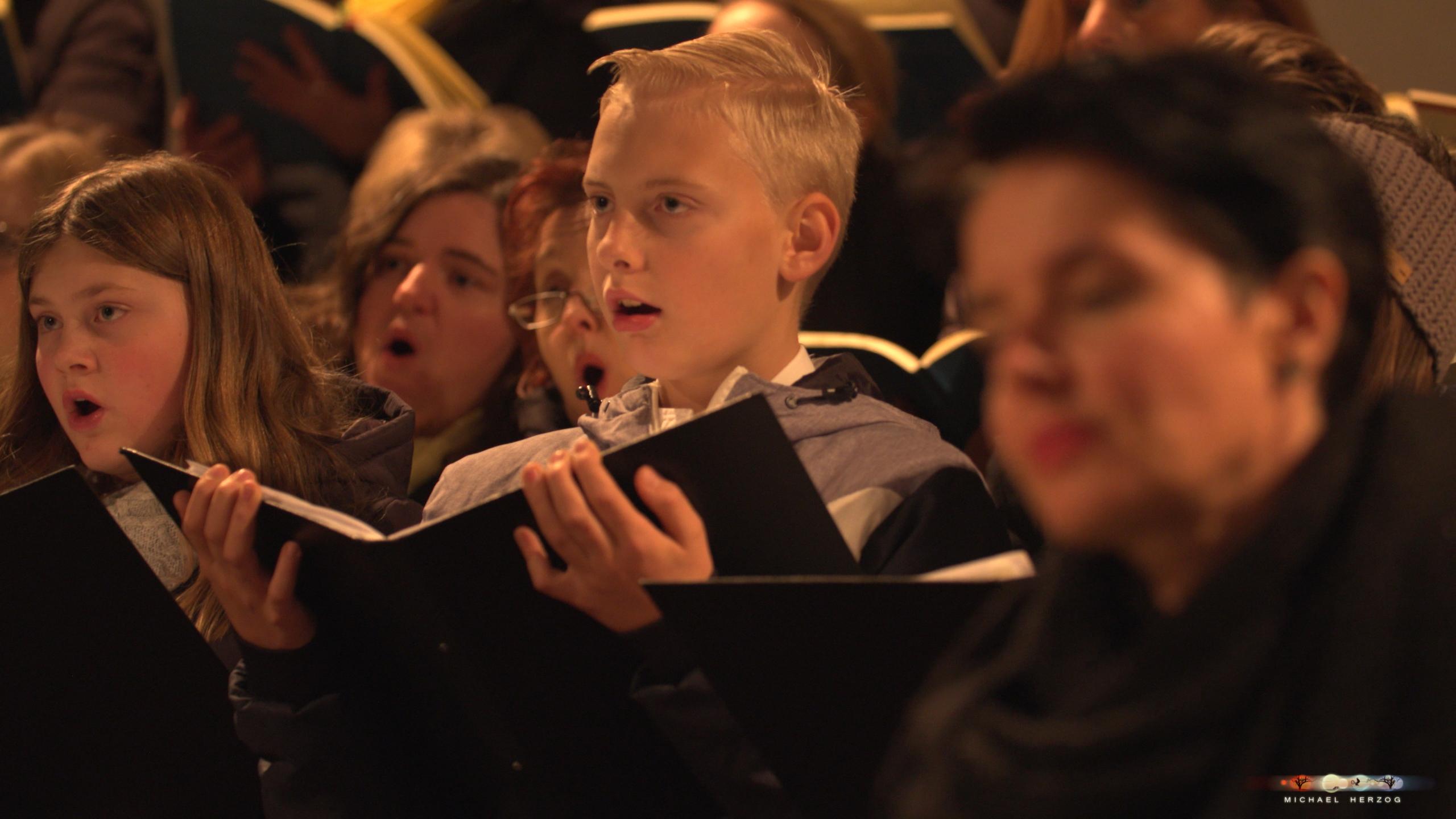 ArnsdorferSternstunden_Konzertabend1-mit-PhilharmonieSalzburg_Screenshot_MichaelHerzog-05.jpg