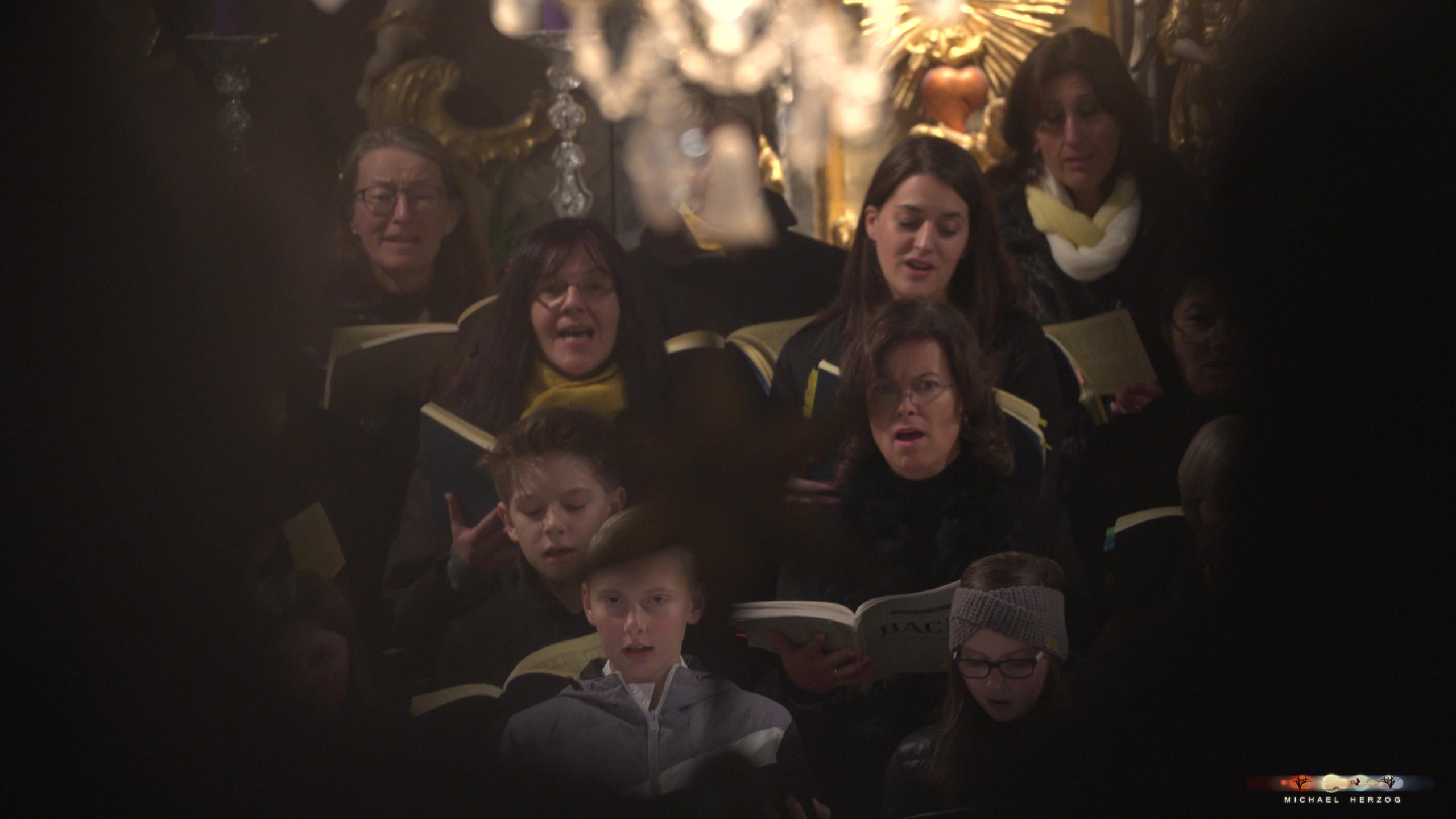 ArnsdorferSternstunden_Konzertabend1-mit-PhilharmonieSalzburg_Screenshot_MichaelHerzog-07-2.jpg