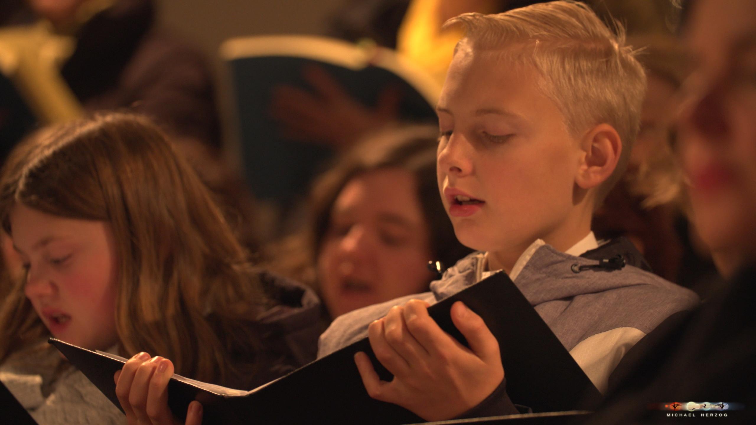 ArnsdorferSternstunden_Konzertabend1-mit-PhilharmonieSalzburg_Screenshot_MichaelHerzog-10-2.jpg