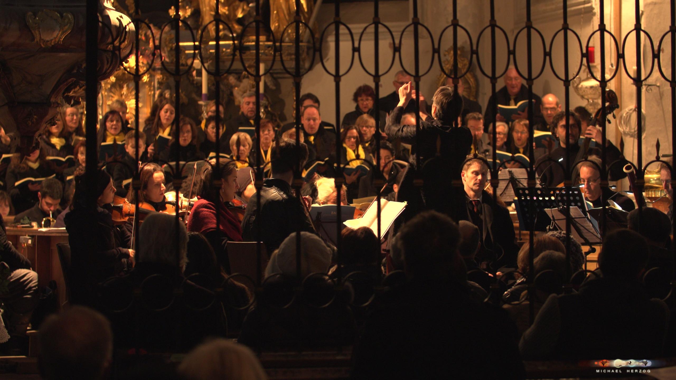 ArnsdorferSternstunden_Konzertabend1-mit-PhilharmonieSalzburg_Screenshot_MichaelHerzog-15-5.jpg