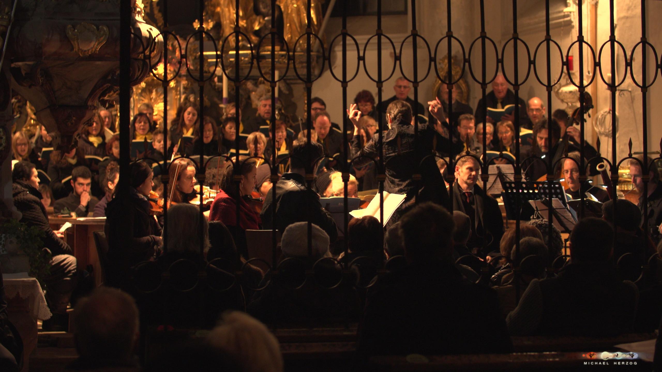 ArnsdorferSternstunden_Konzertabend1-mit-PhilharmonieSalzburg_Screenshot_MichaelHerzog-18-3.jpg