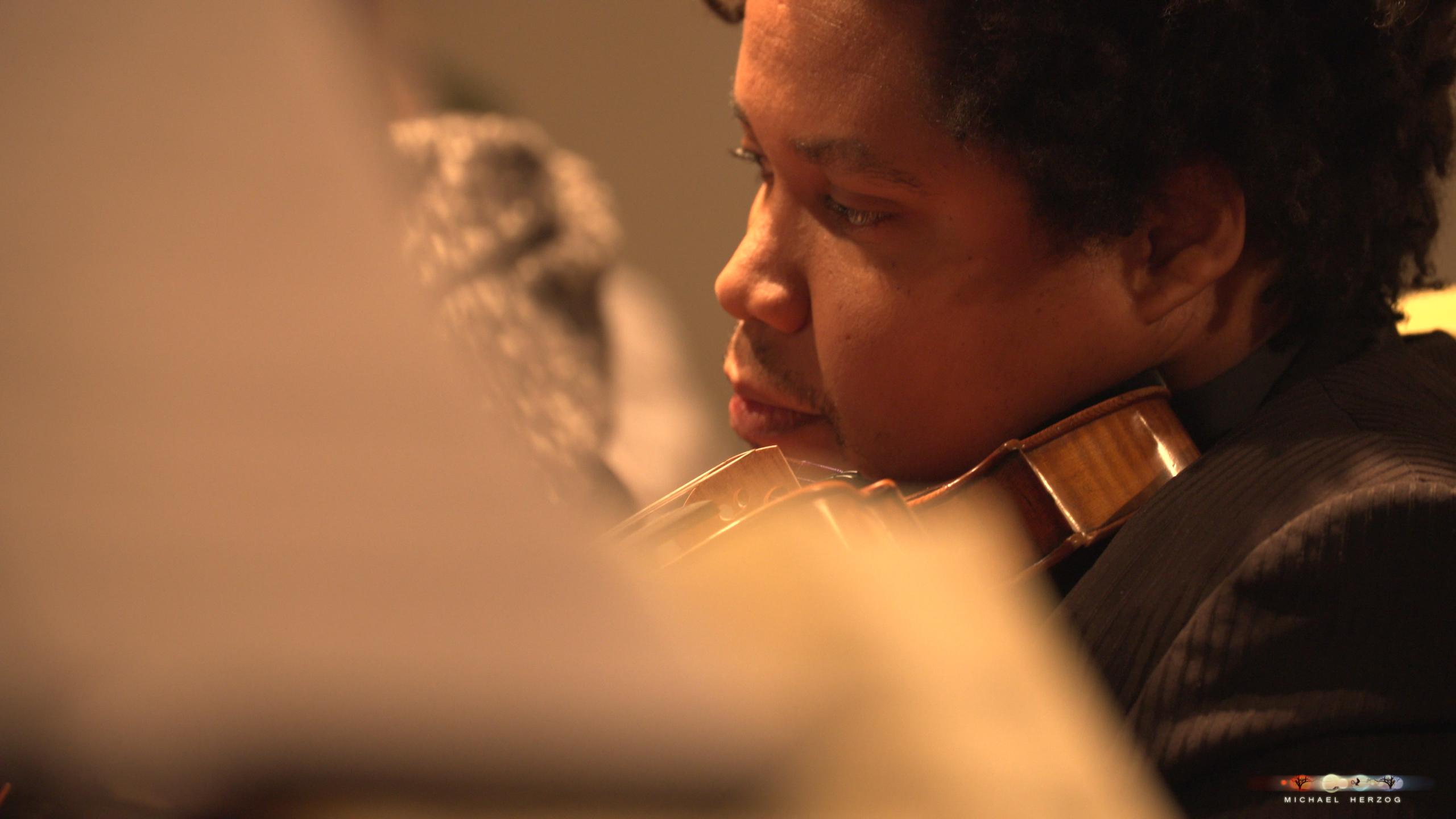ArnsdorferSternstunden_Konzertabend1-mit-PhilharmonieSalzburg_Screenshot_MichaelHerzog-19.jpg