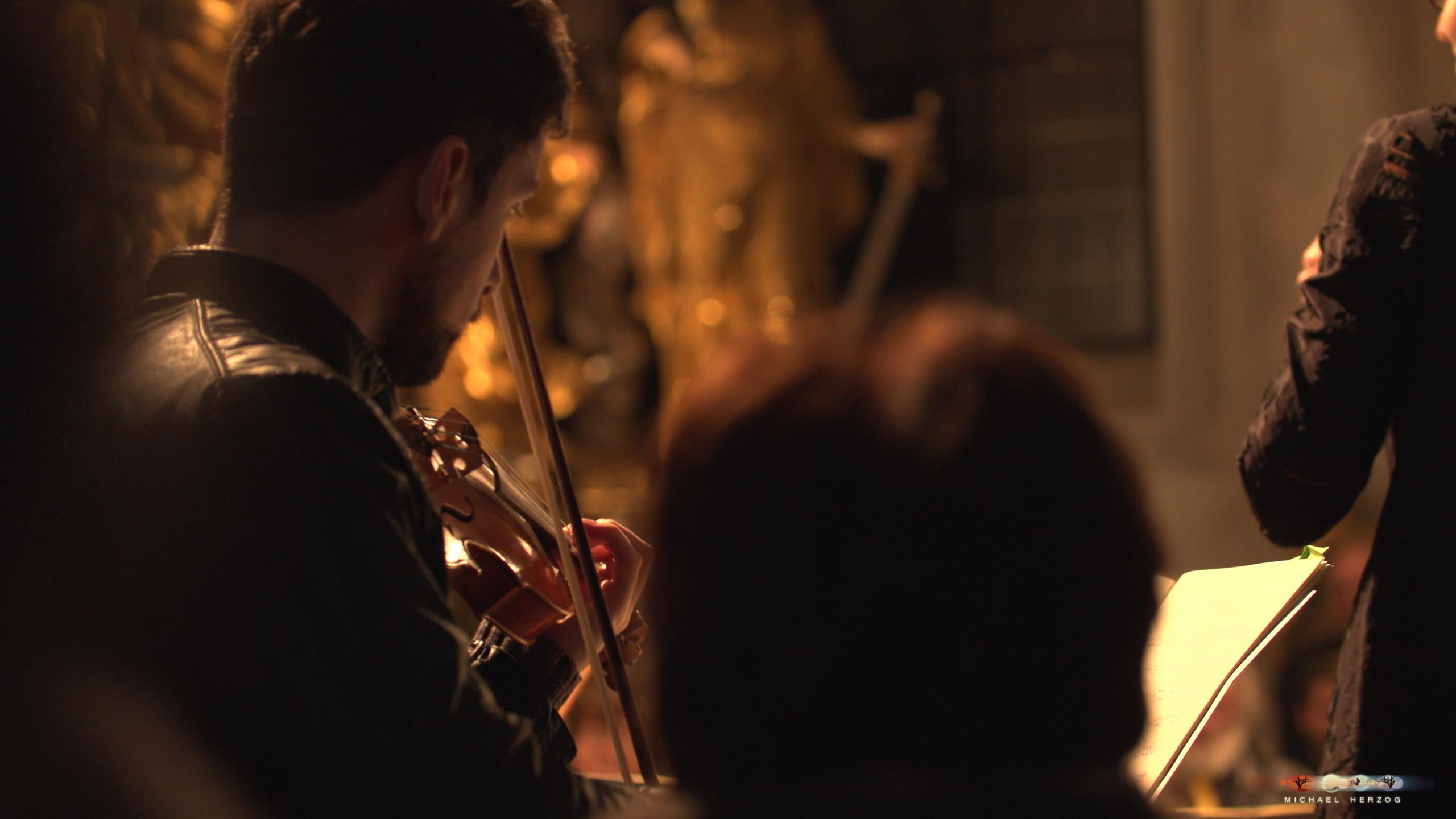 ArnsdorferSternstunden_Konzertabend1-mit-PhilharmonieSalzburg_Screenshot_MichaelHerzog-21.jpg