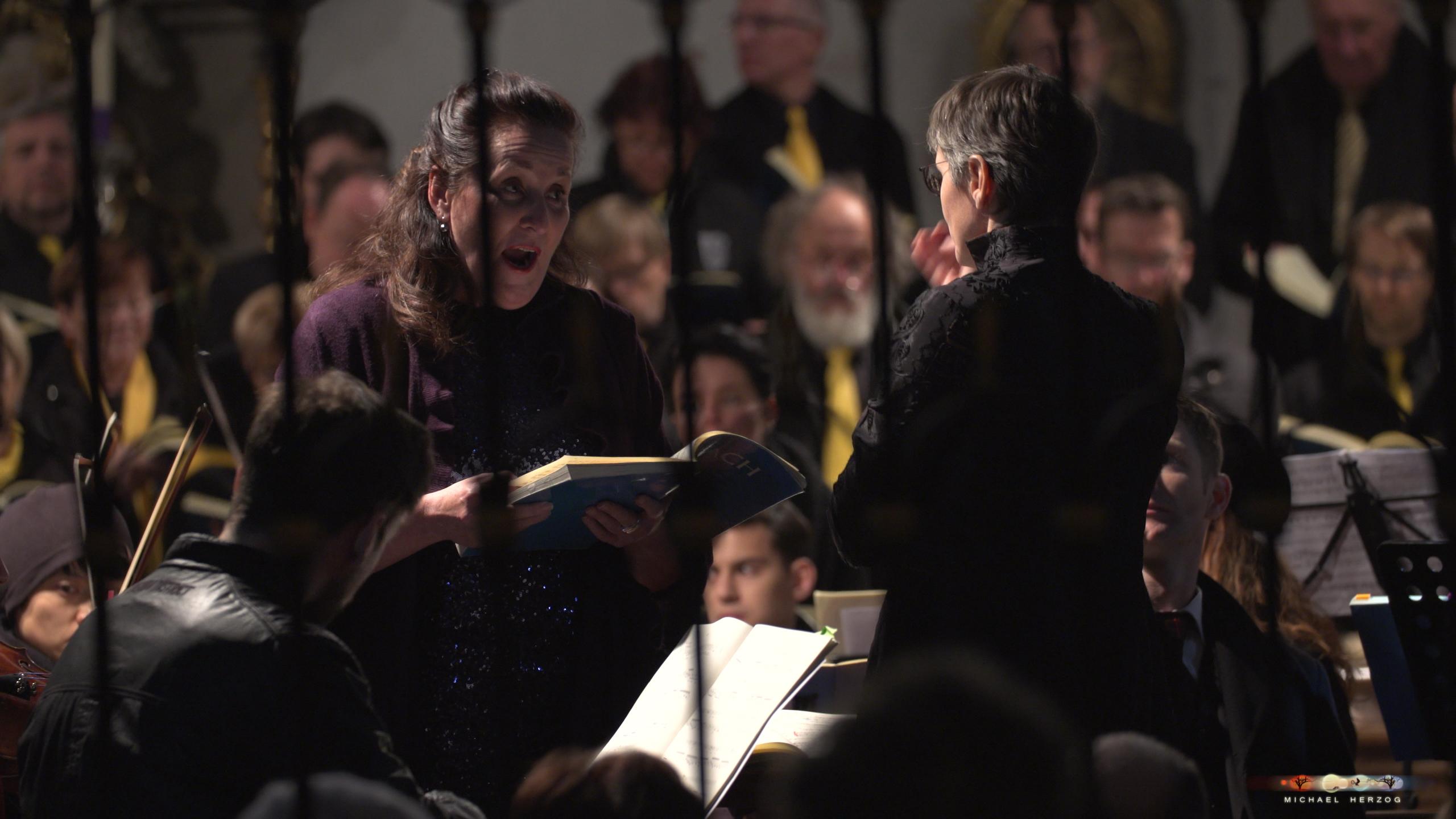 ArnsdorferSternstunden_Konzertabend1-mit-PhilharmonieSalzburg_Screenshot_MichaelHerzog-23-2.jpg